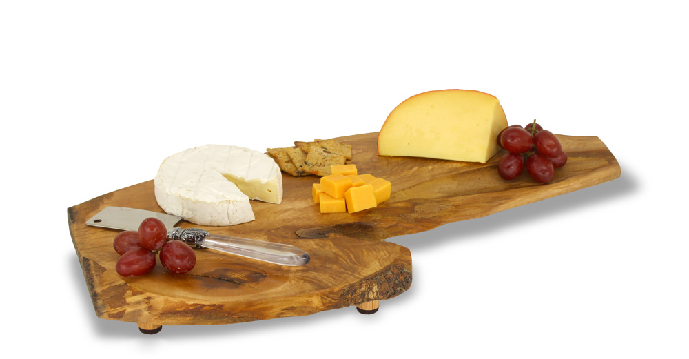 Medium cheeseboard with cheeses and grapes
